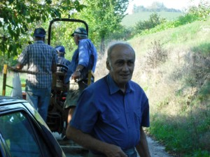 Felice Grasso greeting us after harvest